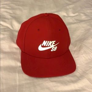 Red Nike SB hat